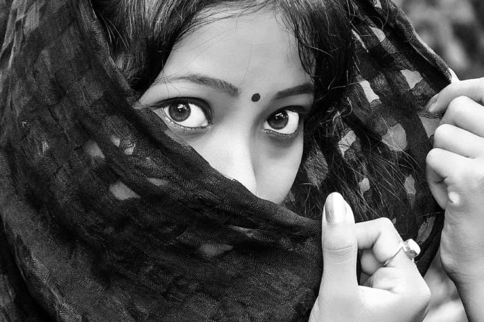 black-eyes-girl-india